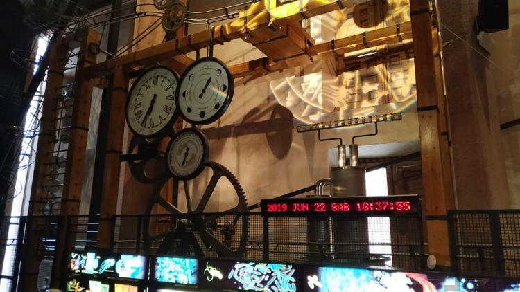 instalación que da entrada al museo de las ciencias de castilla la mancha
